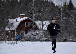 Lars Jonsson är alltid den som har mest bråttom tillbaka till bullfatet som traditionsenligt avslutar lördagsträningarna.