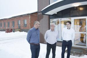 Roger Hydén och Niklas Pettersson är huvudägare, respektive vd för Enerco Bäckströms. Jan-Erik Lundman (i mitten) har varit vd på Näs verkstäder och ska fortsätta arbeta för Enerco.
