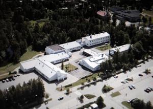 Elva personer dödades i skottdramat på den finska skolan.