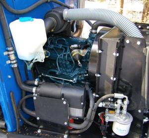 Den lilla trecylindriga dieselmotorn är bara 25 hästkrafter stark. Foto: Lars Dahlström