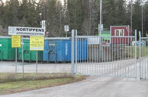 Höga blyhalter i området närmast Nortippen i Söderbärke stoppar planerna på ökat öppethållande vid återvinningscentralen.