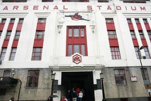 Exteriören på Arsenal stadium i London har bevarats, men innanför är det bostäder.