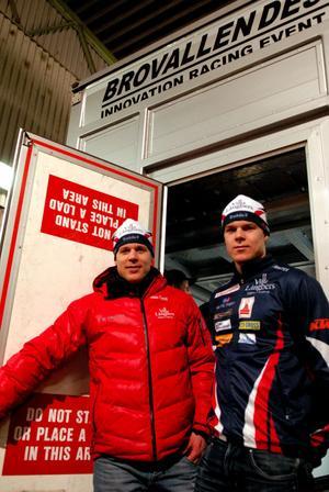 Daniel och Rikard Tynell slår upp dörren för sin nya satsning på en egen trailer att bo och arbeta i under tävlingarna i långloppscupen.