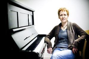 Lena Svahn är sedan fem år tillbaka lärare på Ljusdals kommunala musikskola, hon vill se mer omfattande orkesterverksamhet.