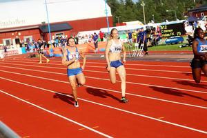 Malin Ström, till vänster i bild, tog sig till final via tiden 12.20.