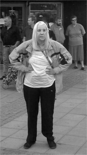Barbro Åkerblom från Forsbacka har varit försvunnen sedan i tisdags eller onsdags. Har du sett henne? Kontakta polisen.
