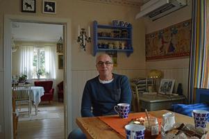 Hasse Ström har hållit på med teater i 30 år och kör Järnarevyn för fjortonde året.