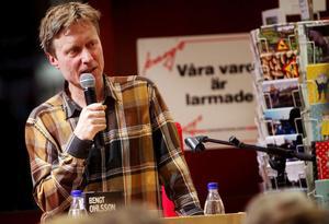 Författaren Bengt Ohlsson fick Augustpriset 2004 för romanen Gregorius. I höstas blev han nominerad till samma pris för Rekviem för John Cummings, om en pensionerad amerikansk punkikon från Ramones med prostatacancer.