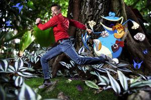 Raymanskaparen Michel Ancel mitt i spelvärlden han just varit med och skapat.