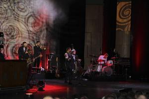 Bo Kaspers Orkester levererade på fredagskvällen i Gevaliasalen.
