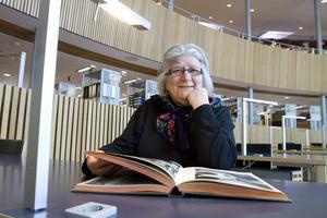 Ingrid Skogqvist studerar konst och arkitektur genom PUG, Pensionärsuniversitetet i Gävle. – Arkitektur intresserar mig nog mest, säger hon.