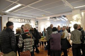 Fullt hus. Det var många som lockades till stadsbiblioteket i Lindesberg för att få sig en försmak av vad som komma skall under årets Vinterspår den första helgen i februari.