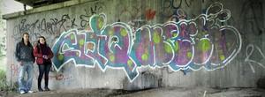 Henrik Rubensson och Maria Mörk vill att ungdomarna får sina graffitiintressen besvarade.