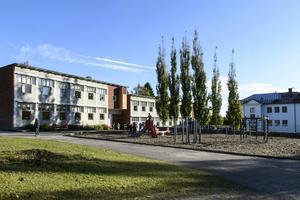 Det är flera vägarbeten på gång vid Bergeforsens skola.