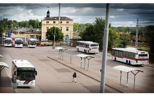 När kommer resecentrum att stå färdigt? Kommunen tvingas nu göra om upphandlingen och hoppas på att vara klara inom ett par månader. Foto: Staffan Björklund