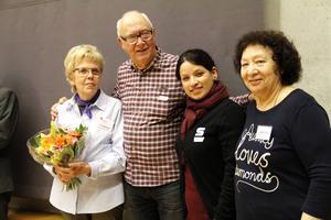 Elisabeth Wikberg, Göran Olsson, Najiba Mansouri och Carmen Gonzales var glada efter att nätverket fått Sandvikens kulturpris.
