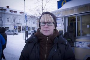 Linda Hansdotter som precis hade varit hos optikern, tycker att bilister bör göra en synundersökning vart fjärde år.
