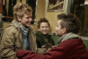 Mira Barkhammar, Mira Grosin och Liv LeMoyne bildar en mycket charmig och cool trio i Lukas Moodyssons