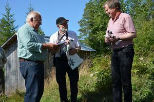 Föreningen Finnskogsriket fick en gåva från byarådet i Jädraås och som Maths Östberg tog emot.