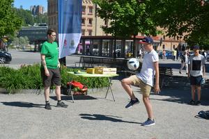 Johan Kempe, 13 år, Sundsvall, deltog i bolljongleringstävlingen på Navet under onsdagen.