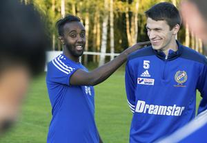 Sebastian Jansson (till höger) är lagets största smygare. Uppträder alltid oskyldig men ligger bakom både det ena och det andra.