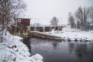 Den lokala produktionen i de mindre vattenkraftverken blir allt viktigare i takt med att vi får mer sol och vind. Kraftverken skapar också en viktig försörjningstrygghet i tider av oro i vår omvärld, skriver Rickard Nordin och Per Lodenius. Foto: Torbjörn Ingvarsson