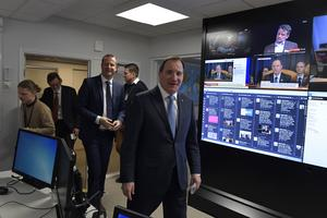 Inrikesminister Anders Ygeman (S) och statsminister Stefan Löfven (S) besöker