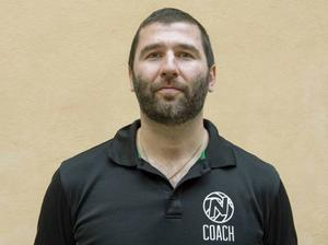 ... Stefan Timbus, också 34 år från Mölndal. Det blir en speciell match i matchen.