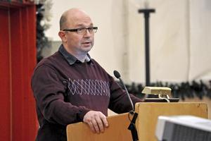 Kommunalrådet Mats Nilsson (S) anser att sommarjobb för ungdomar i kommunen är en viktig satsning för framtiden.