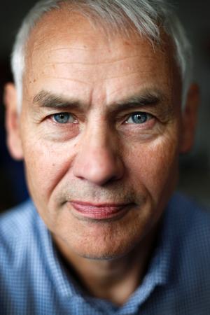 – Det viktigaste är att aldrig dricka alkohol som man inte vet vad det är, säger Olof Englund, distriktsläkare och medicinsk samordnare för primärvården i Jämtlands län.