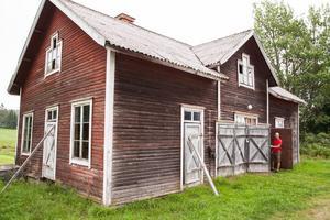 I anslutning till slöjdsalen fanns ett tvättrum och toaletter. Daniel Kjellgren hoppas kunna ha en båtbyggarverkstad i den gamla slöjdsalen.