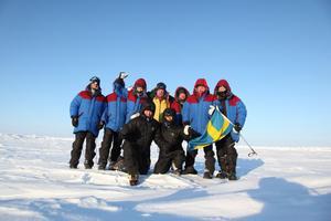 Här är hela expeditionen. Yngst är en 15-åring som deltog tillsammans med sin pappa.