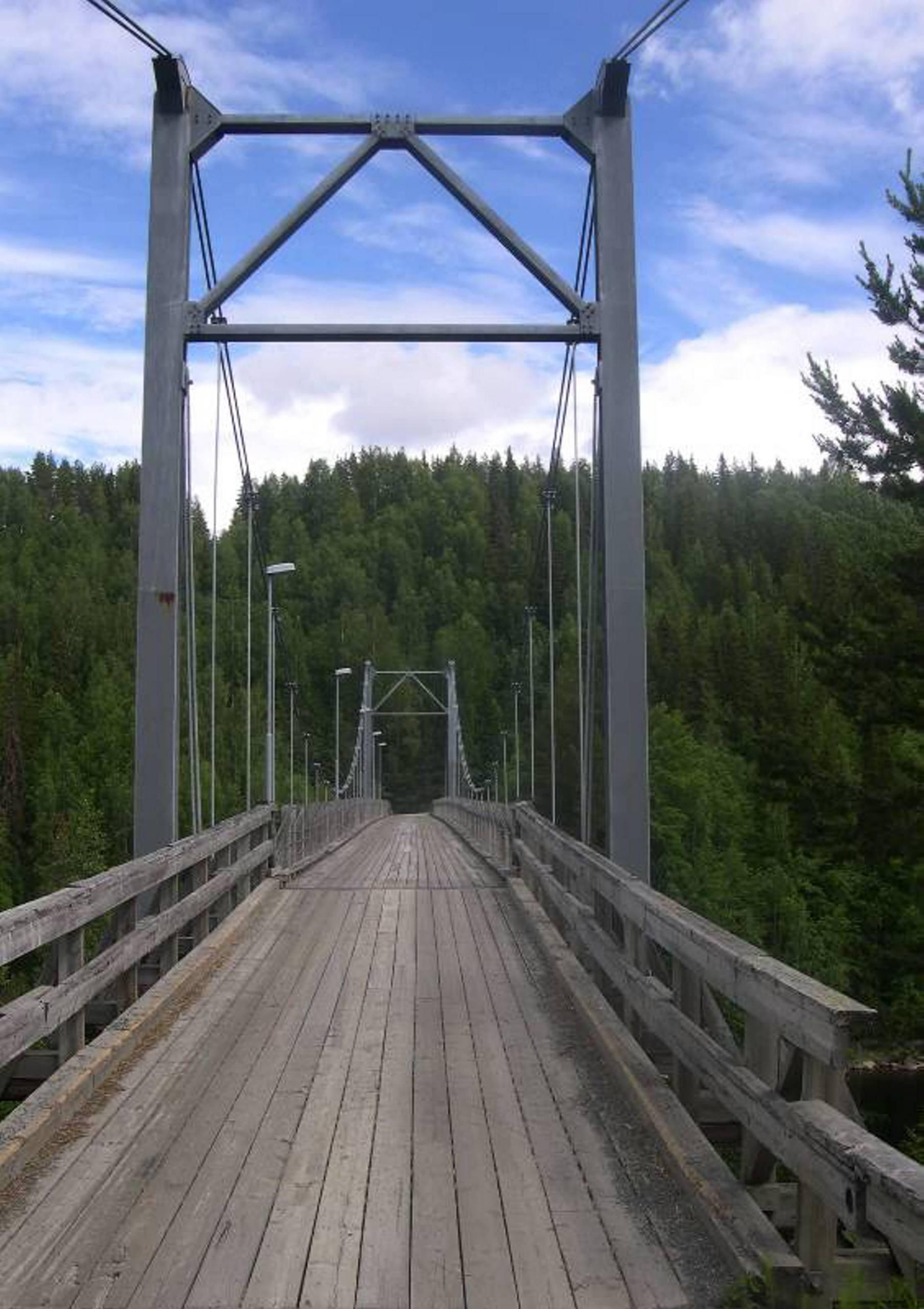 Trasig bro kostar samhallet miljoner