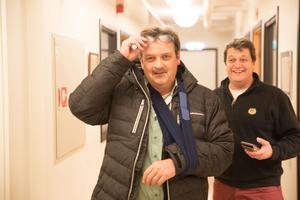 Peter Hermodsson och Peter Masuhr när den förstnämnde nyligen anlända från akuten.