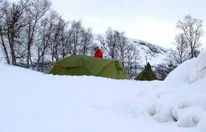 Vintercamping är den nya flugan på Storulvån. Man behöver ingen egen utrustning, det ingår i priset som faktiskt är dyrare än att hyra rum inomhus.