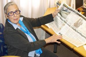Rosa Taikon, syster till Katarina Taikon och känd silverkonstnär, blev mycket upprörd när hon läste Dagens Nyheter om att polisen registrerar romer, bara på grund av deras etnicitet.