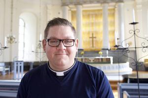 – Jag är lycklig i livet och har det jättebra säger Mattias Rådbo, nybliven kyrkoherde i Säterbygdens församling.