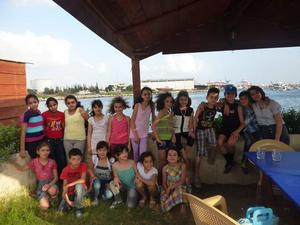 Genom Barees kontakter deltar även barn i Syrien i bokprojektet.