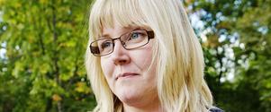 Marie Nordén anser att Centern i den borgerliga regeringen bytt fot från att ha varit landsbygdens företrädare till att vara drivande i en politik som leder till växande klyftor mellan landets olika delar.