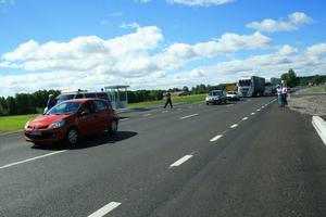 I samband med att nya riksväg 49 invigdes släpptes trafiken på och transporterna mellan Askersund och Olshammar blev med ens säkrare och snabbare.