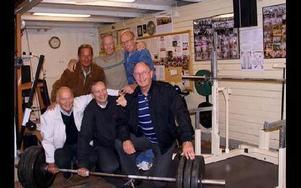 Övre raden från vänster: Sven-Erik Nyqvist, Börje Eriksson och Janne Göransson.Nedre raden från vänster:Kurt Ekholm, Christer Mellgren och Ove Gustavsson.Hedersmedlemmarna Hugo Berg och Hans Dahnsjö kunde inte närvara.FOTO: ANNA ENBOM