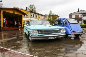 Några tappra trotsade regnet och följde med Wolfman Cruisers på nationaldagscruising i Sveg.,