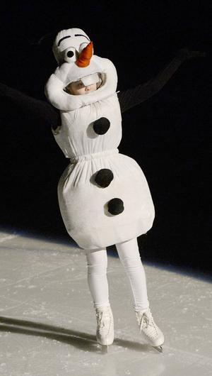 Matilda Ellenberg Tuck som Olof från Frost som guidade genom föreställningen.
