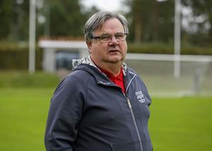 Leif Nilsson har varit engagerad i Ytterhogdals IK sedan barnsben. Nu gläds han åt att klubben i hans hjärta når sina största framgångar någonsin.