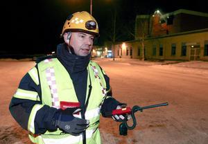 Åke Larsson var inledningsvis räddningsledare och senare sektorschef under tisdagens storbrand på ABB i Ludvika.