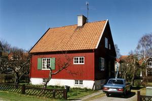 Många äldre sitter fast med hus de inte har råd att sälja. Foto: Janerik Henriksson / SCANPIX