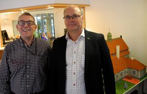 Beredskapssamordnare  Pege Andersson och kommunalråd Peter Egardt hoppas att många av de som får uppehållstillstånd väljer att bosätta sig i Älvdalen.