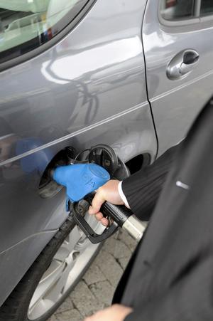 Tänk på bränsletyp när du väljer bil.