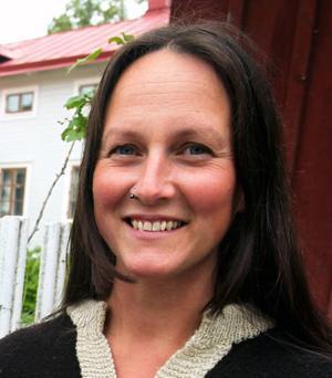 1. Emma Härdelin:Är på väg att fullfölja ännu ett storartat projekt med Triakel, heja, heja!