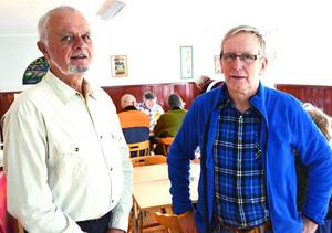 Conny Roos och Folke Emilsson presenterade sitt cykelprojekt med ett Dalalag för besökarna vid sopplunchen i Boaboa i Malungsfors.